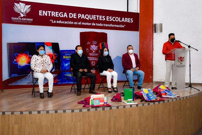 Arranca Lupita Daniel la entrega de paquetes escolares en beneficio de 16 mil 758 alumnos de Cuautlancingo