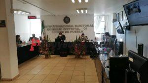 Sesión permanente sobre la consulta popular en el Instituto Nacional Electoral con cabecera en San Martín Texmelucan