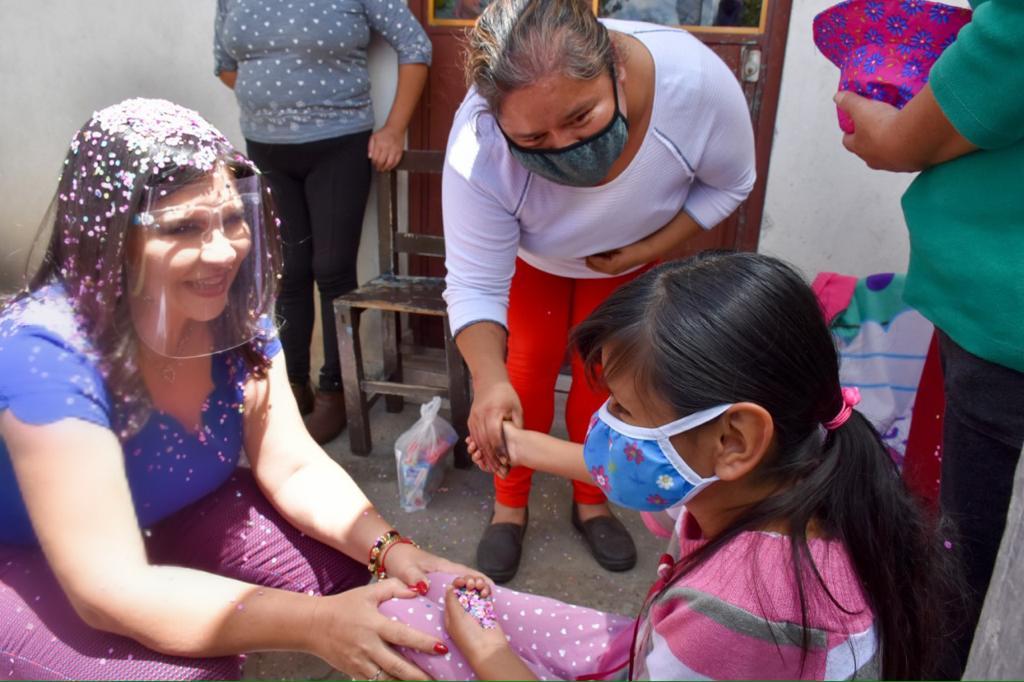 NORMA LAYON REFRENDA APOYO A LAS FAMILIAS DE SAN LUCAS ATOYATENCO 1