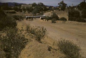 Barranca: Tlatelpa. No es muy profunda en esta parte pues no tiene más de diez metros. fotografía de los años 50.