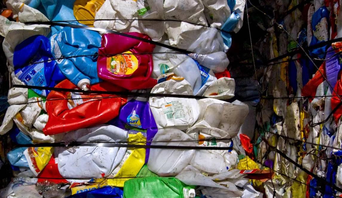 basura plastico paquete