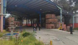 Este domingo 8 de agosto del 2021, ingresaron pobladores a la planta de Bonafont en Juan C. Bonilla, Puebla.