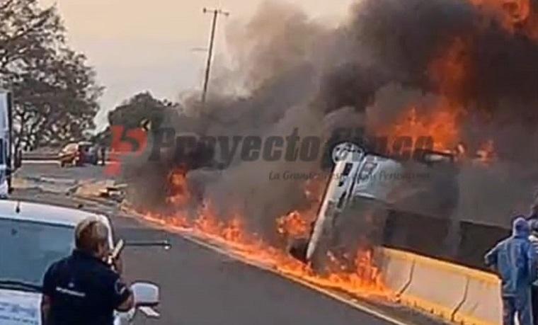 incendio trailer mex pue