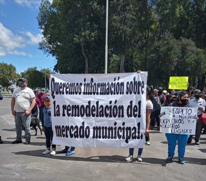 locatarios mercado municipal huejotzingo manifestacion
