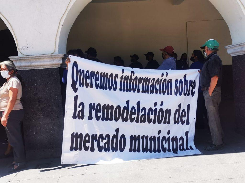 manifestacion presidencia locatarios mercado huejotzingo