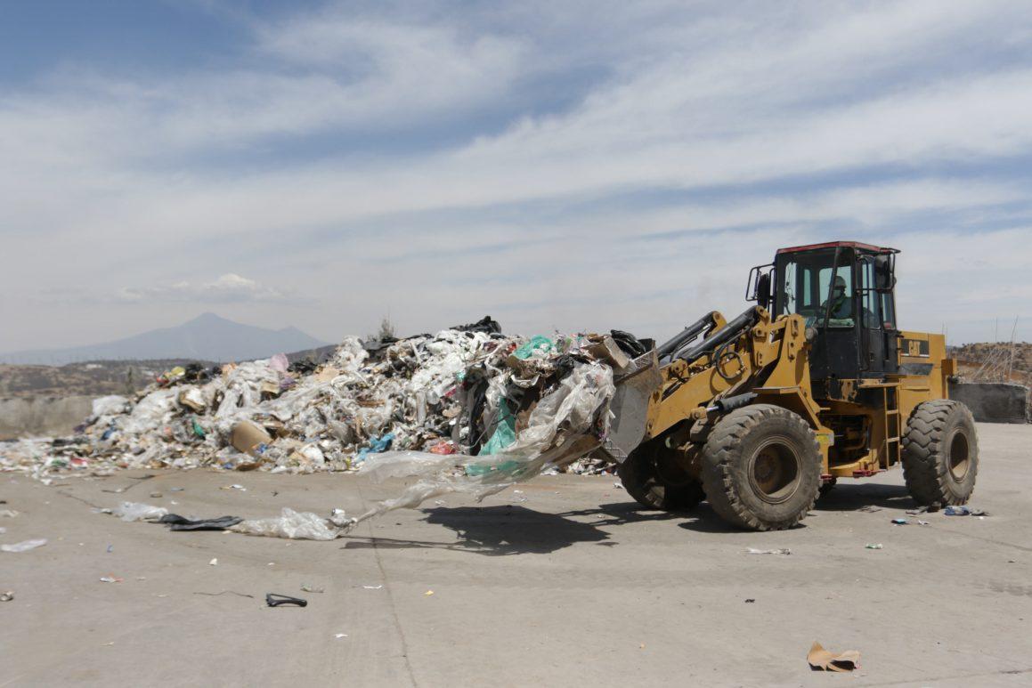 maquinari relleno basura
