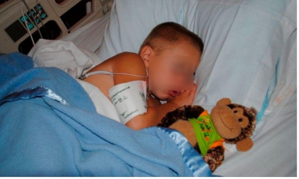 paciente menor nino enfermo
