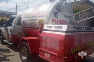 Pipa asegurada en Texmelucan por Policía Estatal por no acreditar de manera legal el gas LP